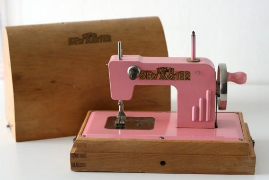 Machine à coudre années 40